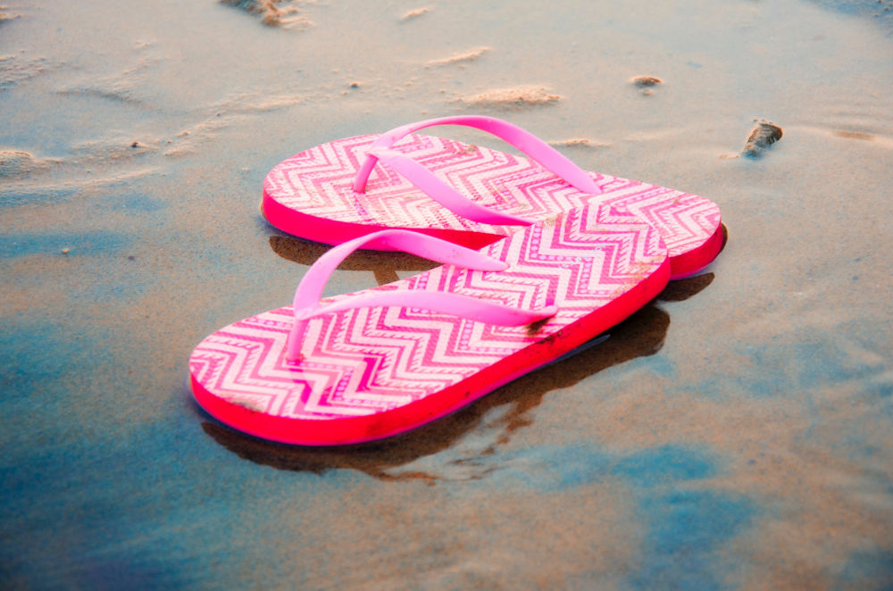 These Scientists Are Fighting Ocean Plastic With Biodegradable Flip Flops Made From Algae