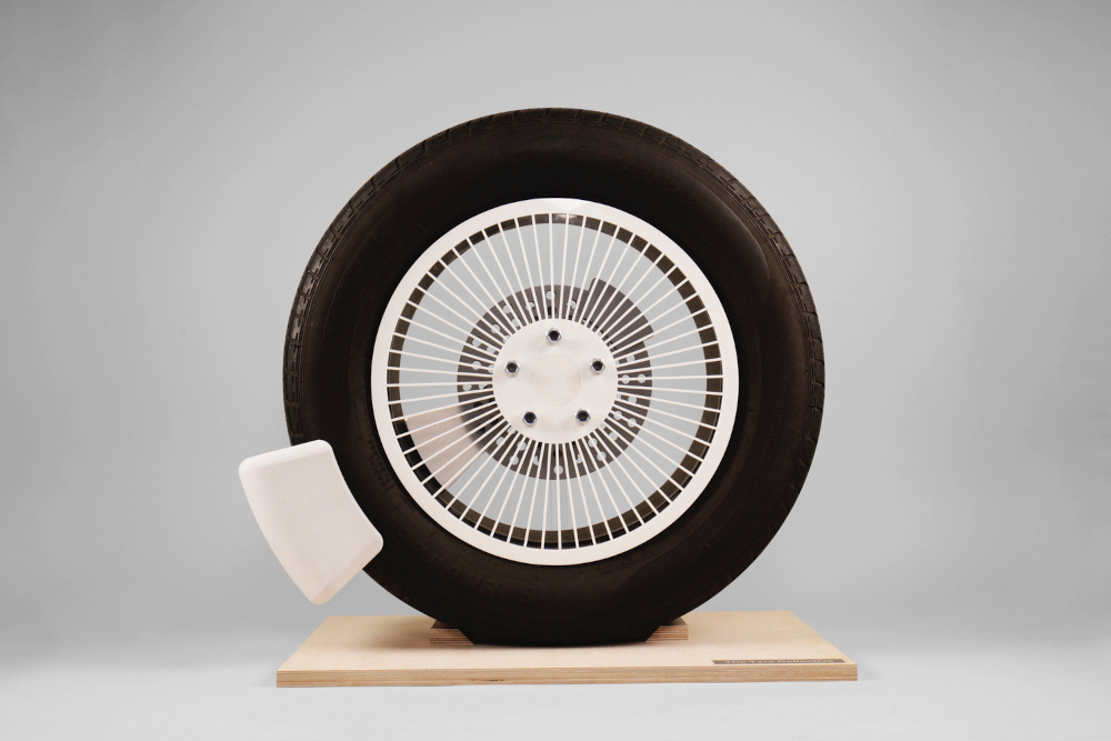 College Students Invention - A Device curbing the Tires Microplastics