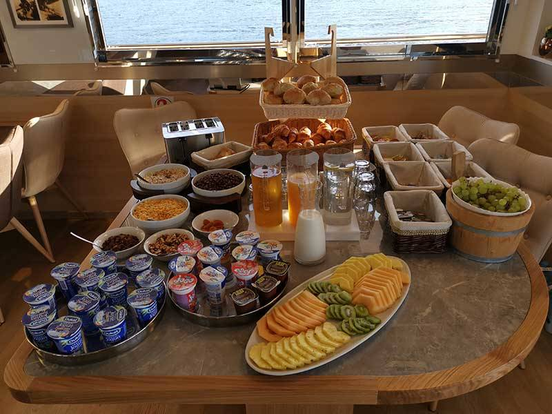 Breakfast M/S Swallow and M/S Lastavica