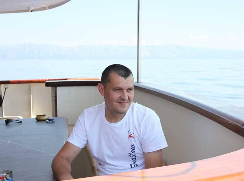 Waiter Kristijan Bačić